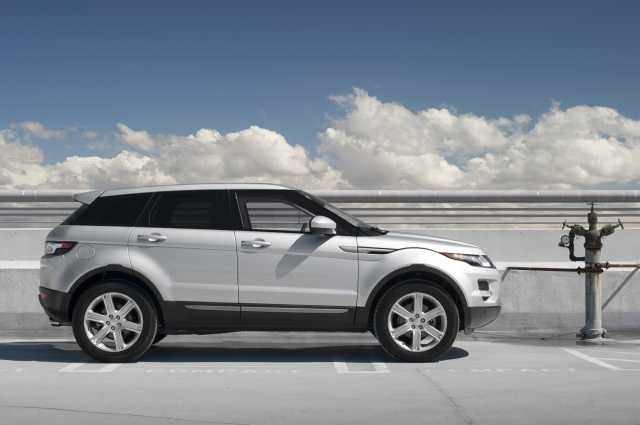 Suvsandcrossovers.com ''2017 Range Rover Evoque '' 2017 SUV and 2017 Crossover Buying Guide includes photos, prices, reviews, New or Redesigned Luxury SUV and Crossover Models for 2017, 2017 suv and crossover reviews, 2017 suv crossover comparison, best 2017 suvs, best 2017 Crossovers, best luxury suvs and crossovers 2017, top rated 2017 suvs and crossovers , small 2017 suvs and 2017 crossovers, 7 passenger suvs and Crossovers, Compact 2017 SUV And Crossovers, 2017 SUV and 2017 Crossover Small SUVs & Crossovers: Reviews & News The Hottest New Trucks And SUVs For 2017 View the top-ranked Affordable Crossover SUVs 2017 suv and crossover hybrids 2017suv crossover vehicles 2017 Suvsandcrossovers.com