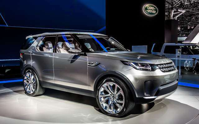 Suvsandcrossovers.com 2017 SUV And Crossover Buying Guide: ''2017 Land Rover Discovery'' Reviews, Price, Features