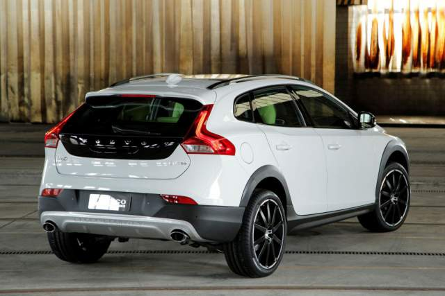 NEW 2018 VOLVO XC40 IS A SUV-CROSSOVER WORTH WAITING FOR IN 2018, NEW 2018 SUV-CROSSOVER RELEASE DATE