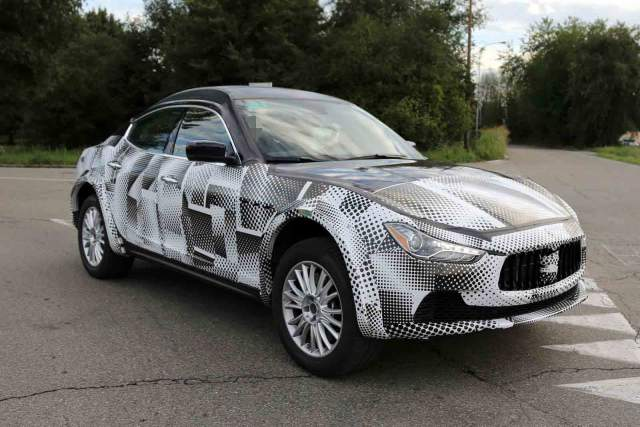 NEW 2018 MASERATI LEVANTE IS A SUV-CROSSOVER WORTH WAITING FOR IN 2018, NEW 2018 SUV-CROSSOVER RELEASE