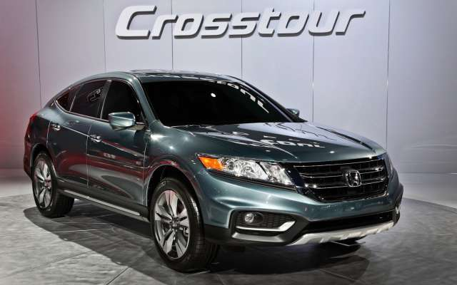 Suvsandcrossovers.com 2017 SUV And Crossover Buying Guide: ''2017 Honda Crosstour '' Reviews, Price, Features